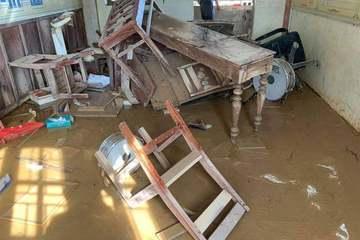 Kịch bản nào cho học sinh miền Trung nghỉ học quá dài vì bão lũ?