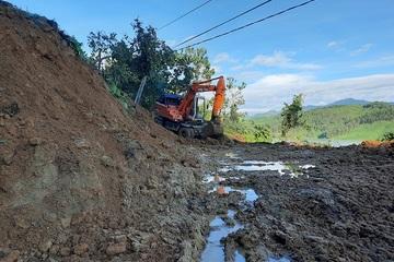 Quảng Nam: Công binh bắt đầu tiếp cận thông tuyến đường vào Trà Leng