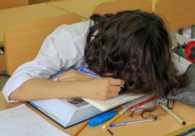 Ký ức khốn khổ của nữ sinh bị mẹ ép học tiếng Anh