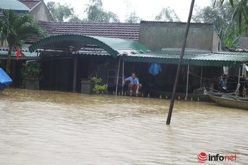 Kịp thời bố trí nơi ở cho hàng nghìn hộ dân bị sập nhà sau bão lũ