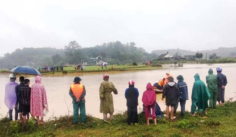 Nhói lòng 1 ngày tìm thấy 5 thi thể bị nước lũ cuốn trôi ở Nghệ An