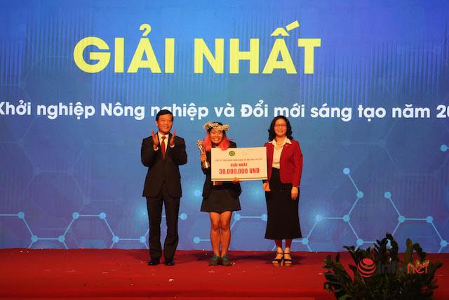 Cựu sinh viên khoa Luật giành giải nhất cuộc thi khởi nghiệp từ lá chuối