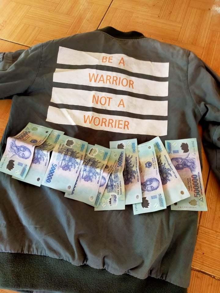 Học sinh nghèo Quảng Trị trả lại 5 triệu đồng tiền nhặt được từ túi quần áo cứu trợ