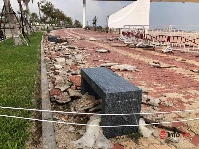 Đà Nẵng: Bờ kè sông Hàn tan tác sau bão số 9