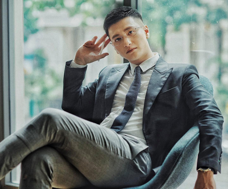 Diễn viên Huỳnh Anh 'cà khịa' chuyện tình Quang Hải: 'em không dám yêu cầu thủ nữa đâu'