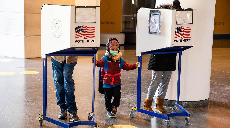 Những khoảnh khắc ấn tượng nhất từ cuộc bầu cử Tổng thống Mỹ 2020