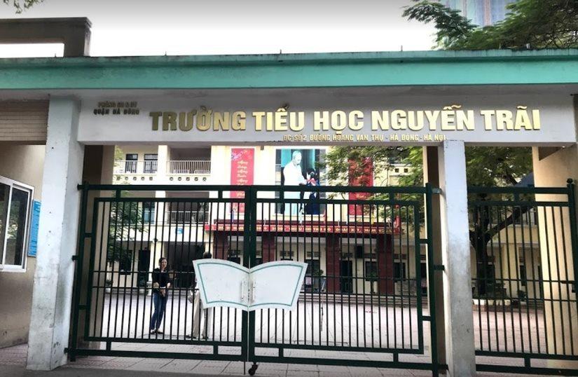 Đang làm rõ lý do hơn 100 học sinh tiểu học Nguyễn Trãi nghỉ học