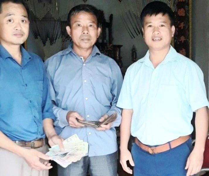 Nghệ An: Nhặt được ví dày, lão nông nghèo tốt bụng tìm trả người đánh mất