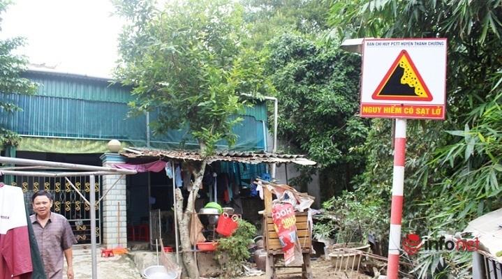 Nghệ An: Sông Rộ 'ăn đất', sạt sát vách nhà, dân mất ăn, mất ngủ