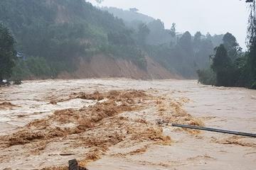 Quảng Nam: Trà Leng lại bị sạt lở và lũ quét, 14 nhà dân bị cuốn trôi