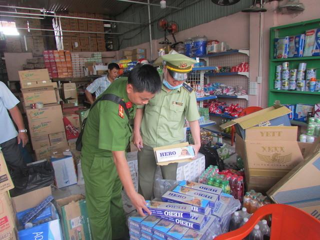 Hà Nội thực hiện đồng bộ giải pháp tăng cường công tác chống buôn lậu thuốc lá