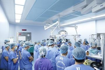 Huy động 12 bàn mổ ghép đa tạng, chi thể từ người cho chết não
