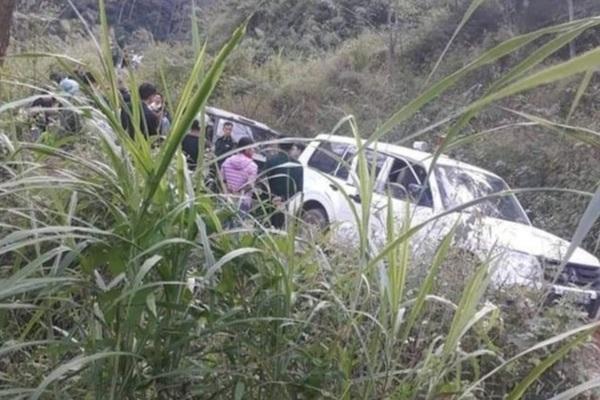 Ô tô lao xuống vực khiến 7 người thương vong