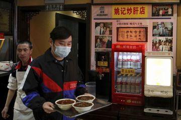 Nhà hàng mỳ Trung Quốc 'nổi như cồn' nhờ ông Biden