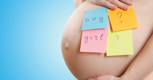 Vừa hay tin con dâu bầu con gái thứ 2, mẹ chồng đã 'phán' phải sinh đứa thứ 3 con trai