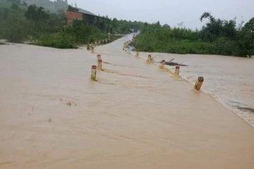 Đắk Lắk: Mưa lớn, nhiều tuyến đường bị chia cắt, hàng trăm hộ dân phải di dời khẩn cấp