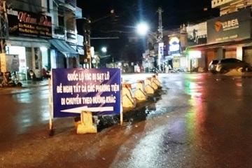 Bình Định: Lũ đột ngột đổ về trong đêm, đê nứt lớn, giao thông chia cắt