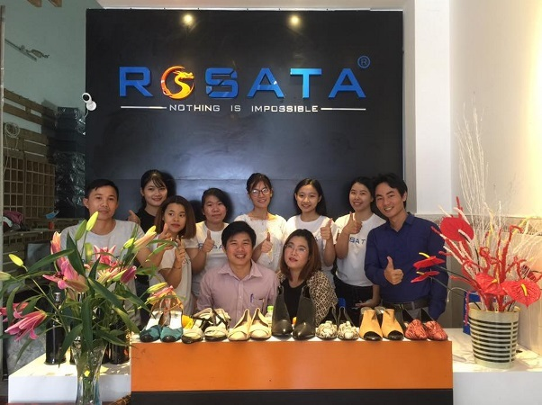 Bỏ việc lương ngàn đô về bán giày dép nữ, doanh thu hàng tỷ đồng mỗi năm