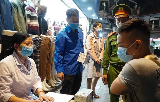 5 nơi ở Hà Nội không đeo khẩu trang không được vào