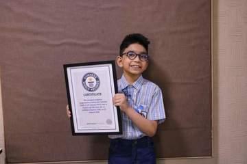 6 tuổi trở thành lập trình viên máy tính trẻ nhất thế giới