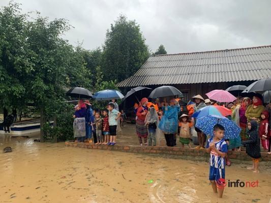 Đắk Lắk: Ngập nặng sau mưa lũ, hàng trăm hộ dân khu lòng hồ bị cô lập