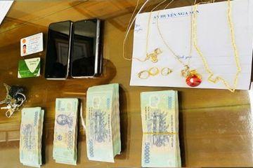Thanh Hóa: Họ hàng nhờ đến trông nhà, 10X cạy két sắt khoắng sạch tiền, vàng
