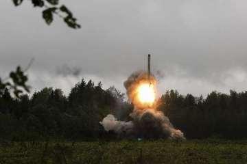Tình hình Syria: Nga hiếm hoi phóng tên lửa đạn đạo xuống Syria
