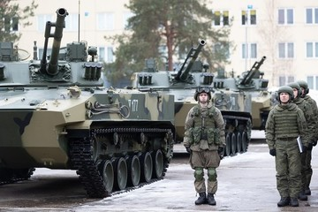 Lính dù Nga như 'hổ mọc thêm cánh' với tổ hợp Kornet-M và BMD-4M