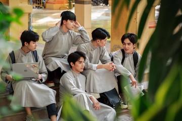 """Dàn trai đẹp trường THPT Phan Đình Phùng mặc áo dài gây """"bão"""" mạng xã hội"""
