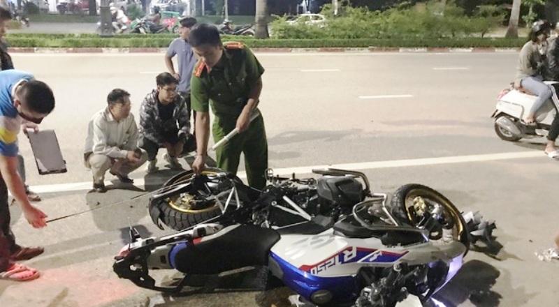 Nghệ An: Xe mô tô phân khối lớn va chạm xe máy, 3 người thương vong