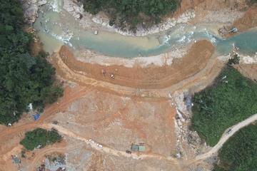 Toàn cảnh quá trình ngăn đập, nắn dòng chảy sông Rào Trăng tìm kiếm 12 công nhân mất tích