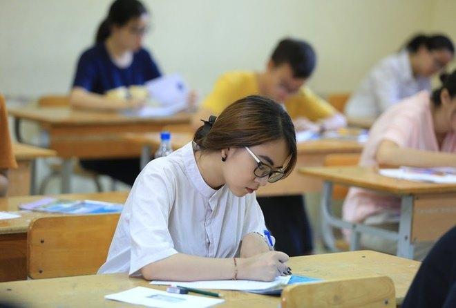 đề thi tuyển sinh lớp 10 năm 2021