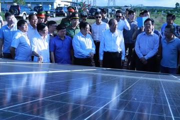 Tìm kiếm công nghệ xử lý tấm pin điện mặt trời