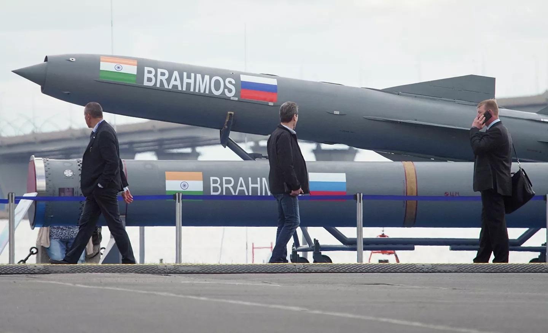 Ấn Độ thử nghiệm phiên bản mặt đất của tên lửa BrahMos