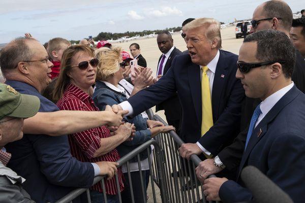 Chi tiết quy trình chuyển giao quyền lực giữa ông Trump và Biden