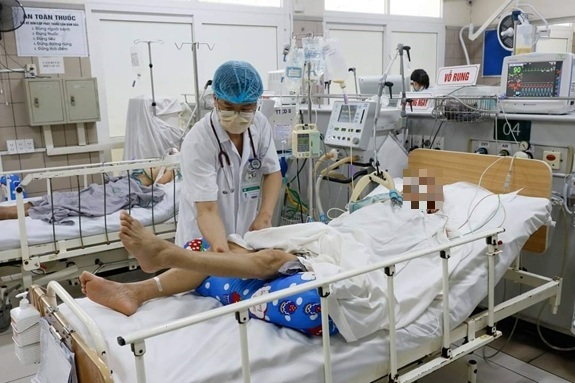 Bệnh nhân trong vụ ngộ độc pate Minh Chay đầu tiên ở Hà Nội đã tử vong