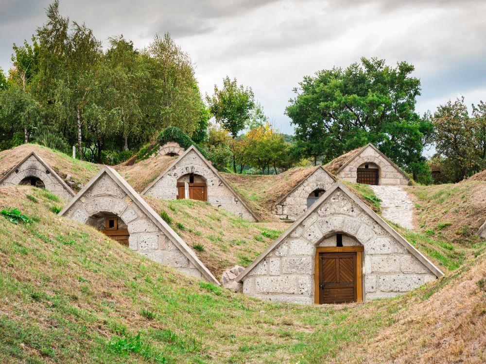 Mục sở thị hầm rượu nổi tiếng ở Hungary