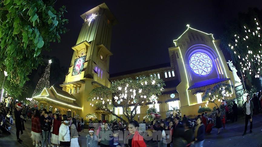 Giáng sinh 2020 tại Hà Nội 2