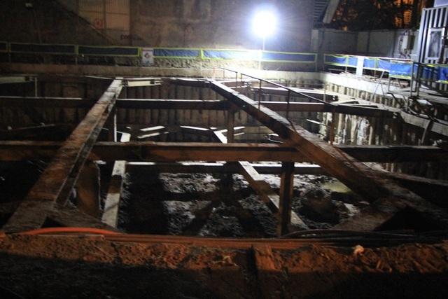 Di dời thành công quả bom nặng 340kg ở phố Cửa Bắc