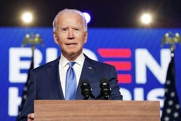 Ông Biden bị gãy xương bàn chân khi chơi với thú cưng