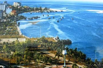 Quảng Bình phát triển bền vững kinh tế biển gắn với bảo vệ môi trường