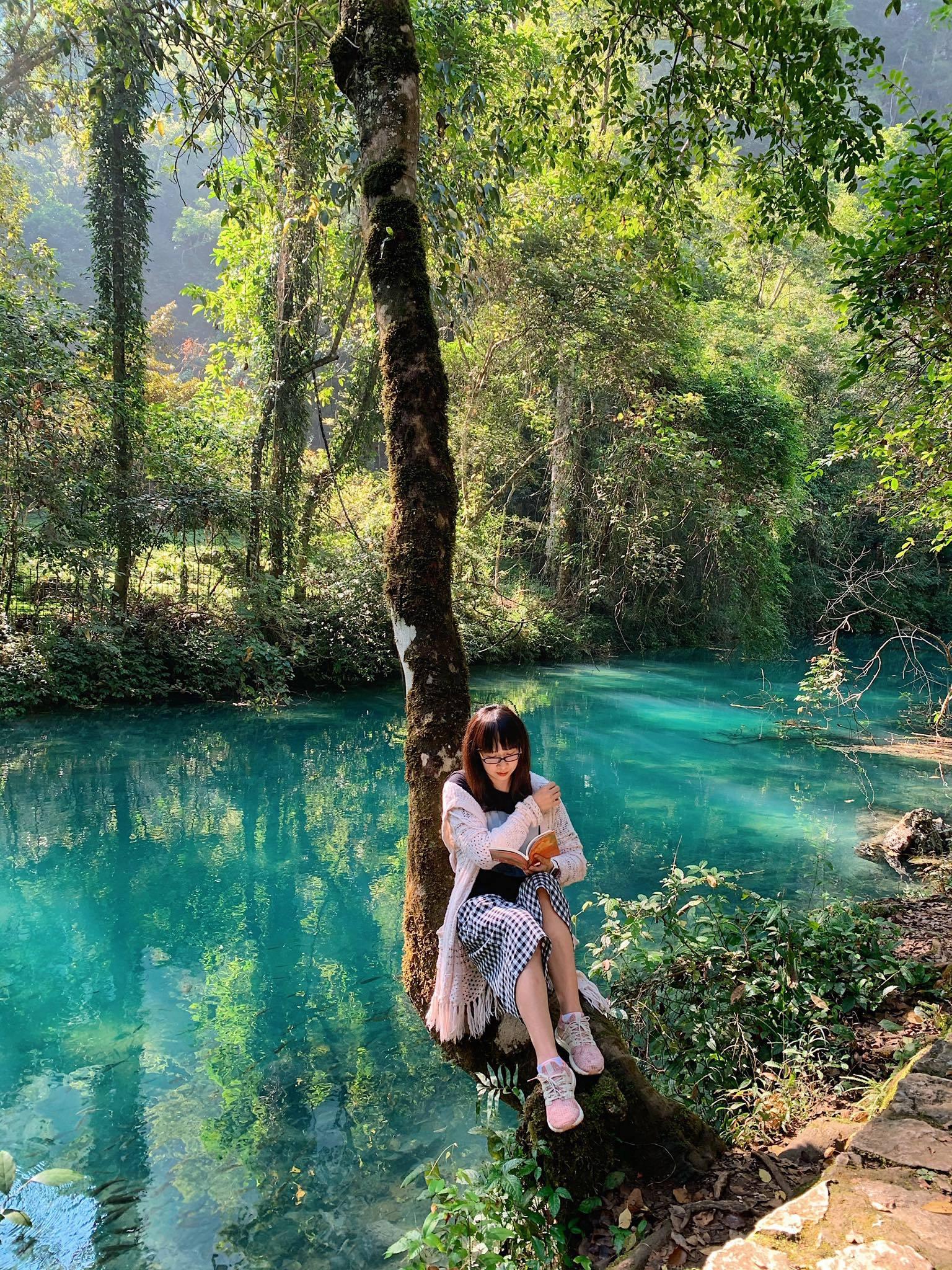 Non nước Cao Bằng đẹp như tranh vẽ qua loạt ảnh của cô gái thích xê dịch