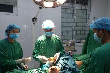 Bệnh nhân nhỏ tuổi được mổ ngay ở tuyến dưới