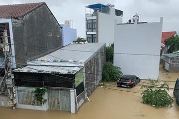 Khánh Hòa: Nhiều người bị lũ cuốn, giao thông ảnh hưởng nghiêm trọng