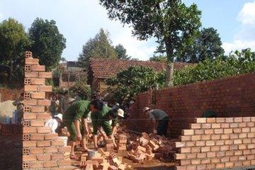 Kon Tum: Hộ nghèo huyện Tu Mơ Rông được vay tối đa 25 triệu đồng để xây, sửa nhà