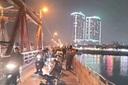 Cô gái nhảy cầu Long Biên, bỏ lại giấy khám thai 6 tuần tuổi