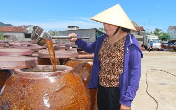 Nữ giám đốc HTX chế biến thủy hải sản và thương hiệu nước mắm đạt tiêu chuẩn 3 sao
