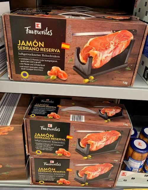 Chi tiền triệu đặt mua đùi lợn muối kỳ công của Tây Ban Nha ăn Tết