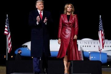 Đệ nhất phu nhân Melania Trump 'chỉ muốn về nhà'