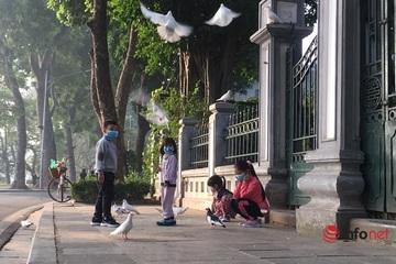Hà Nội nắng đẹp trước đợt rét đậm 'đổ bộ' vào ngày 15/12